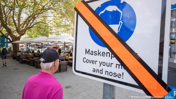 Геманија постепено ќе ја укинува мерката за носење маски