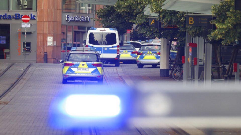 (ВИДЕО) Напад со нож во Германија, тројца убиени и повеќемина повредени