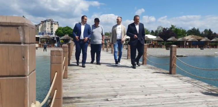 Солидарност со Охрид: Шест концесионери на струшките плажи сами ќе ги отстранат платформите