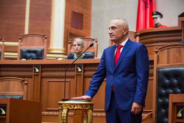 Албанските пратеници ќе гласаат за разрешување на претседателот на државата