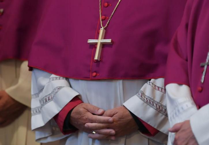 Германски кардинал понуди оставка поради несправувањето на Црквата со сексуалната злоупотреба на деца