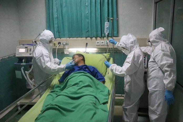 Вкупно 125 пациенти со Ковид-19 се лекуваат во болниците во земјава
