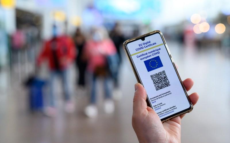 Градот Брисел воведува ковид сертификат за собири и кафулиња