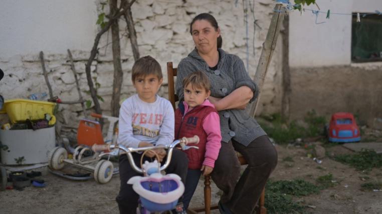 """""""Крпен рурален живот"""" – краток документарец за борбата на руралната жена во општеството"""