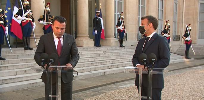 Макрон до Заев: Вашата земја заслужува да ги почне преговорите без одложување