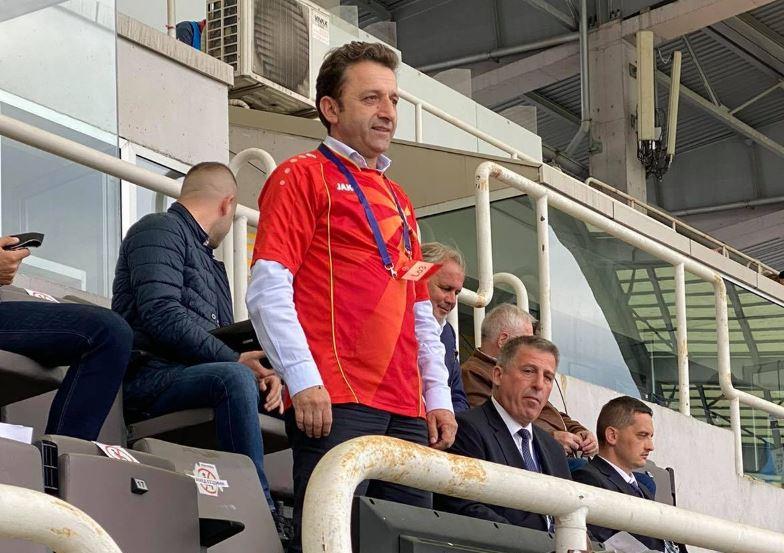Сејдини со црвениот дрес ќе го следи натпреварот Македонија-Словенија
