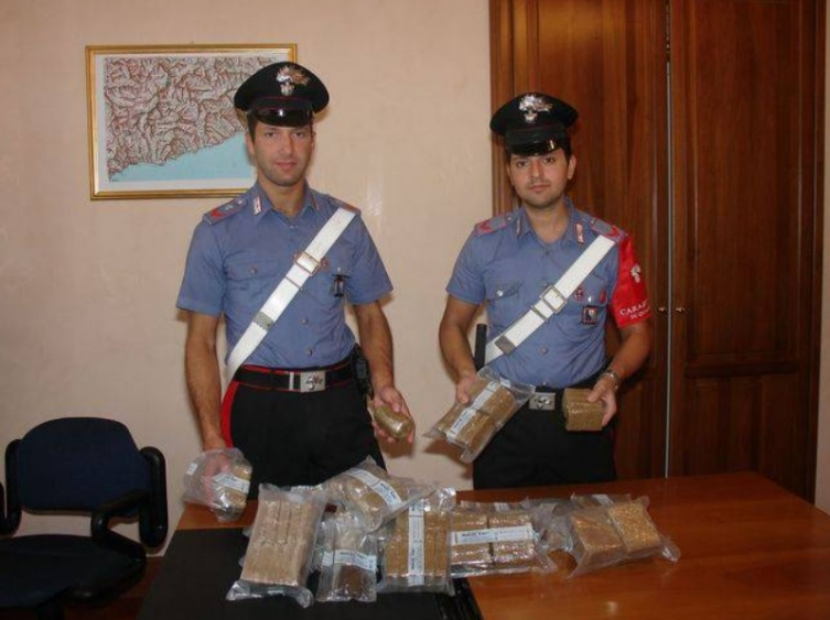 Француска, италијанска, албанска и хрватска полиција трагаа по криминалци со македонски пасоши