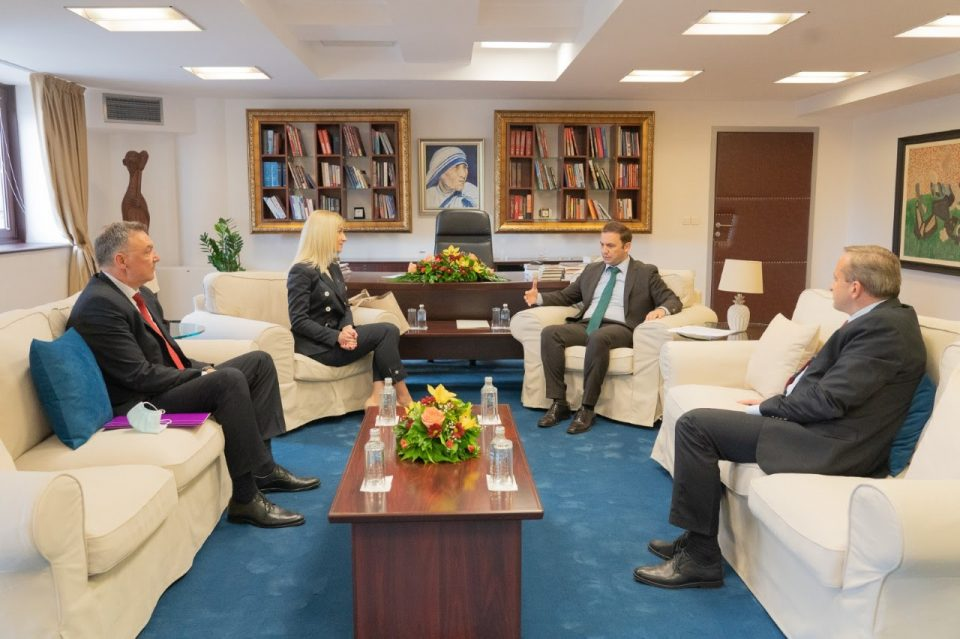 Османи се сретна со новата амбасадорка на Србија, Невена Јовановиќ