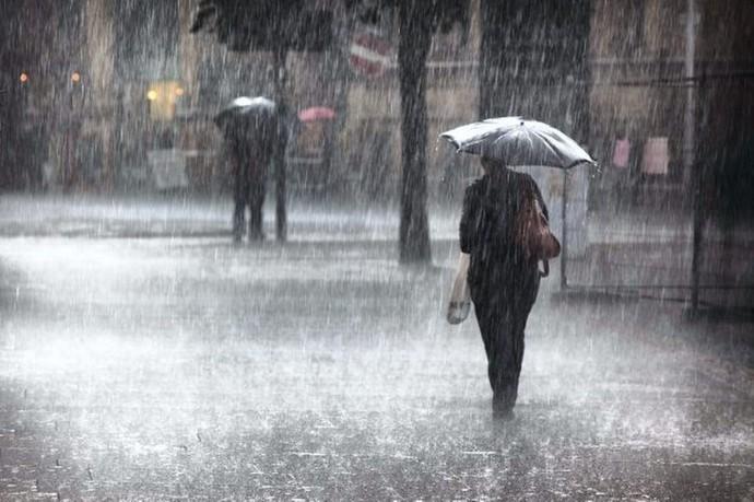 Силно невреме го зафати Скопје, голем дел е без струја