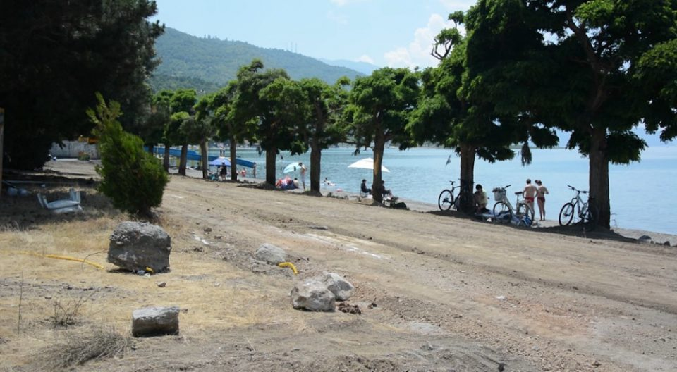 Охридски фирми без концесија за плажа оствариле приход од  околу 250 милиони денари