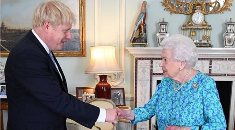 Прв состанок на Џонсон и кралицата Елизабета Втора по повеќе од една година