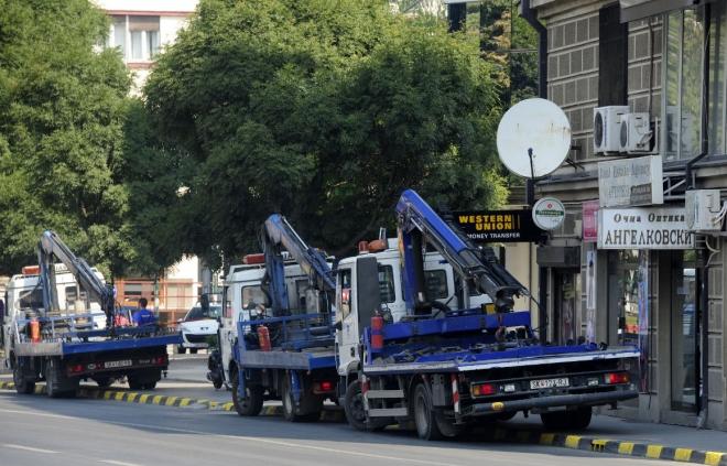 """""""Пајаците"""" во акција: Отстранети 200 возила изминатата недела во Скопје"""