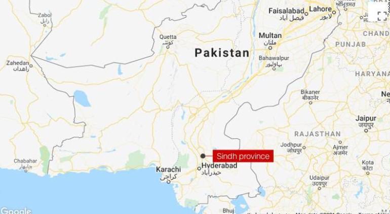 Најмалку 50 загинати во железничка несреќа во Пакистан