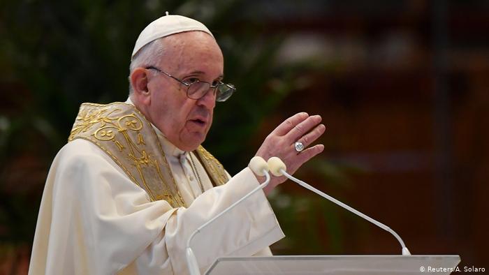 Папата Франциск упати молитва до жртвите и повредените во торнадото во Чешка