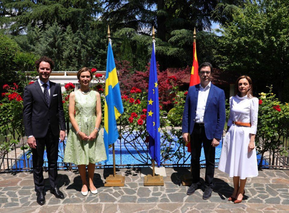 Претседателот Пендаровски на средба со амбасадорката Бенгстон по повод Националниот ден на Шведска
