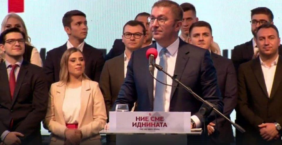Мицкоски: Лагите на СДСМ околу црните листи се последица на рејтингот на Заев