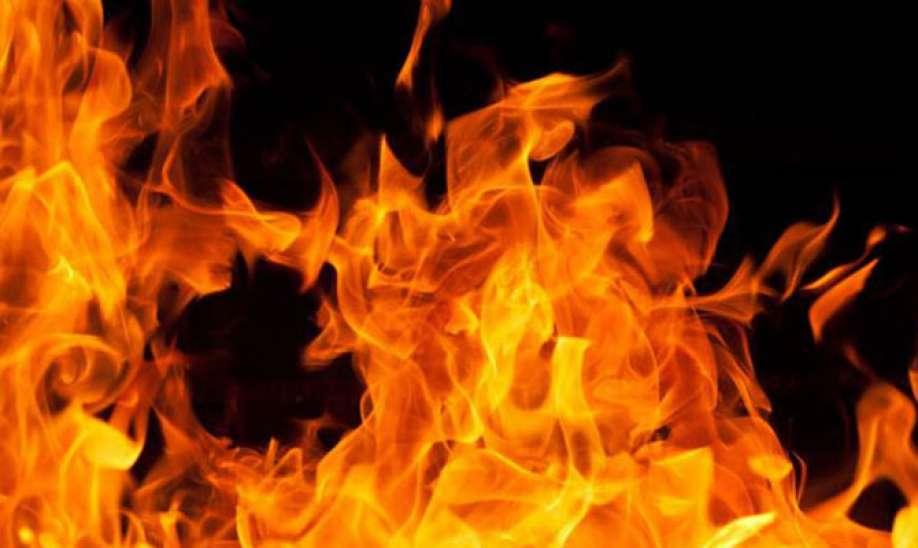Момче ја нападнало својата баба, а потоа со бензин го запалил нејзиниот сопруг