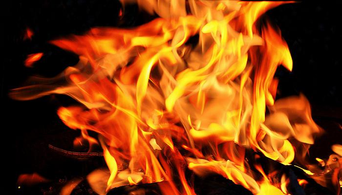 """Низ Калифорнија беснее пожарот """"Дикси"""", 2.000 лица повикани на евакуација"""