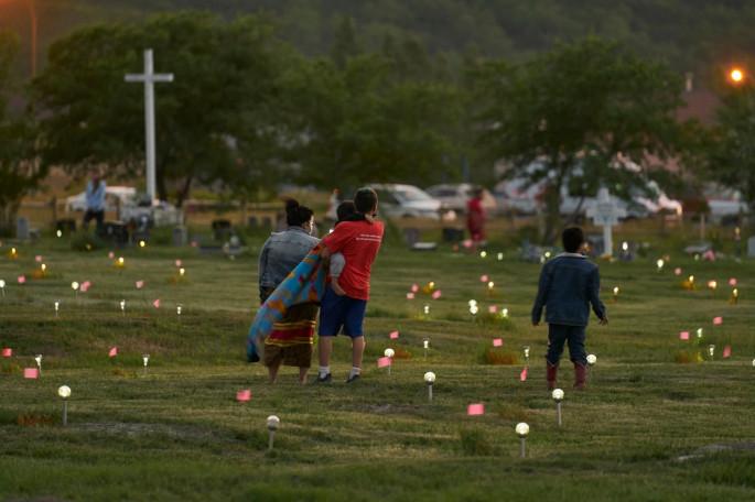 (ВИДЕО) Во Канада запалени цркви по откритие на стотици гробови во католички интернат за деца