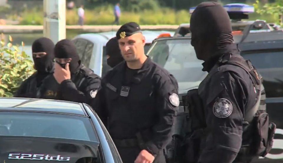 Голем претрес на пристаништето Бар – црногорската полиција бара докази за шверц со цигари
