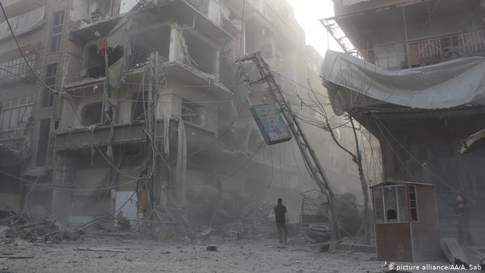За една деценија војна речиси половина милион жртви во Сирија