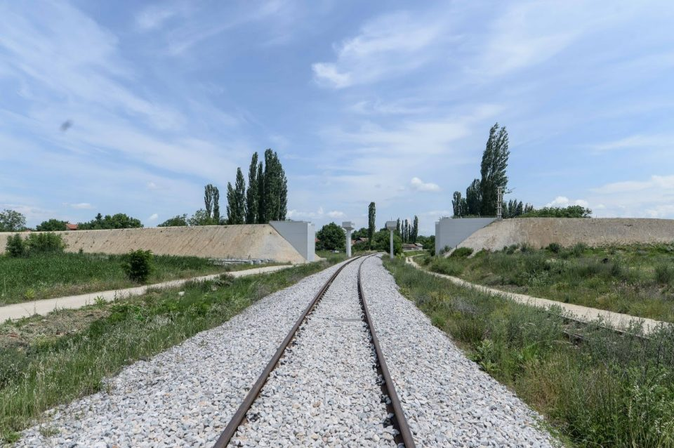 Со 165 милиони евра ќе се интензивира градбата на железничката пруга Софија-Скопје?