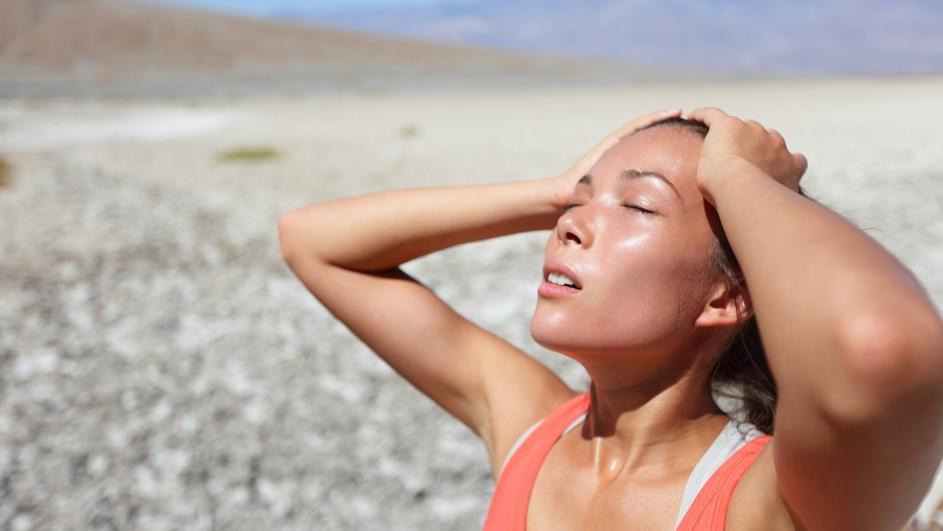 Како да ги препознаете симптомите на сончаница и што да превземете