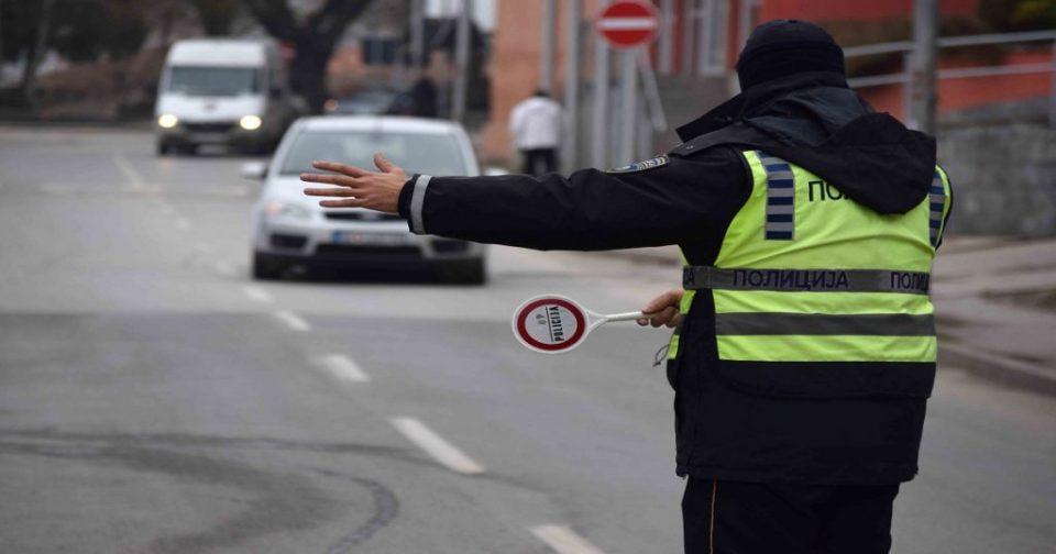 Изречени 100 казни за непрописно затемнети стакла и светлосни и звучни уреди