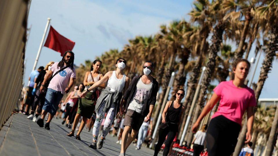 Шпанија наскоро ќе ja укине мерката за носење маски на отворено