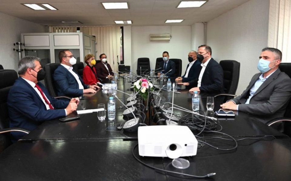 Спасовски се сретна со деканот и професорите од Факултетот за безбедност
