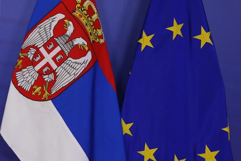 Неколку држави можат да и застанат на патот кон ЕУ на Србија