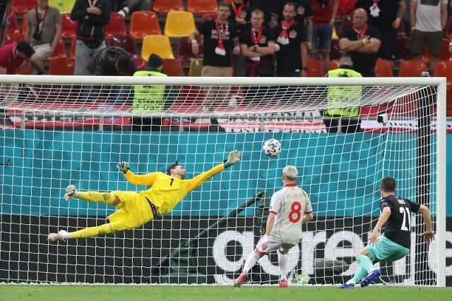 (ВИДЕО) УЕФА ја поздрави одличната одбрана на Димитриевски