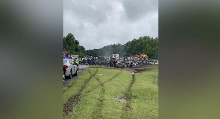 Загинати десет лица во верижен судир во Алабама