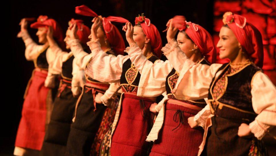 """Танец со """"Враќање"""" во Велес"""