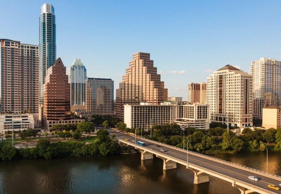 Тексас се соочува со недостиг на струја, граѓаните замолени да штедат