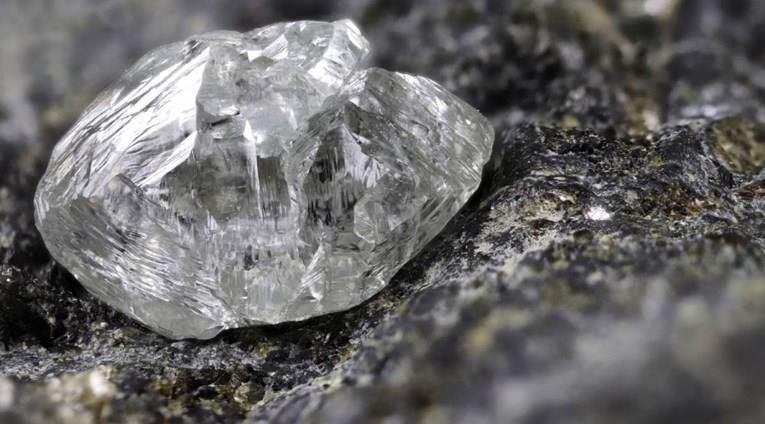 (ФОТО)Пронајден дијамант – трет најголем во светот