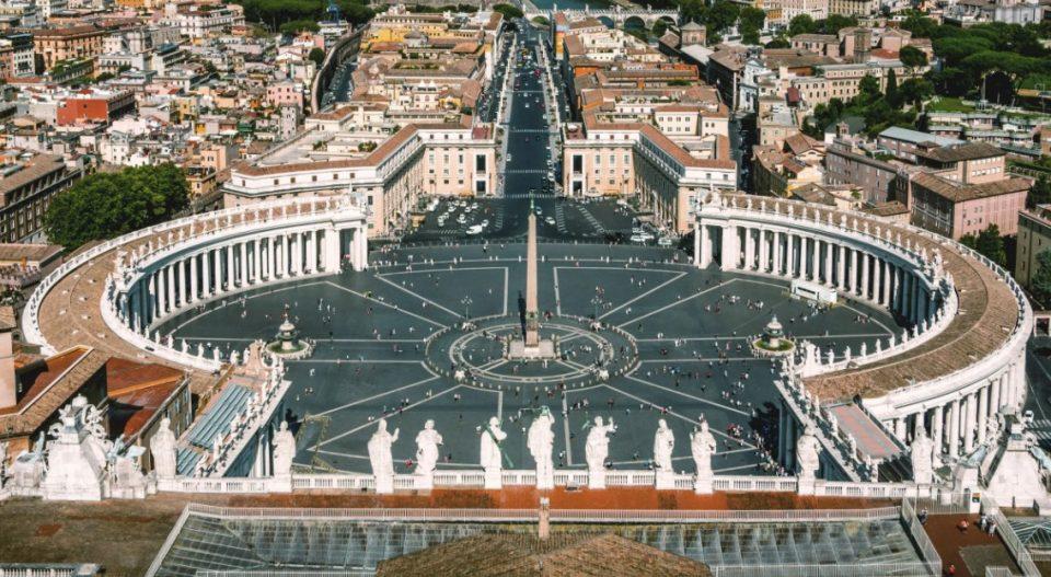 ПРВПАТ ВО ИСТОРИЈАТА: Ватикан назначува жена за секретар на дикастерија
