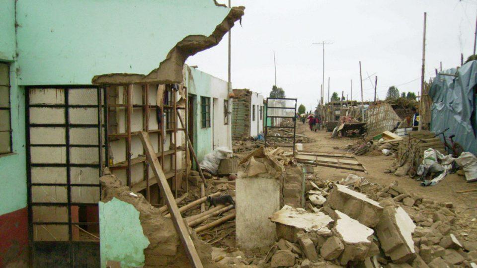 (ВИДЕО) ЛУЃЕ БЕГААТ ВО ПАНИКА: Силен земјотрес го погоди главниот град на Перу