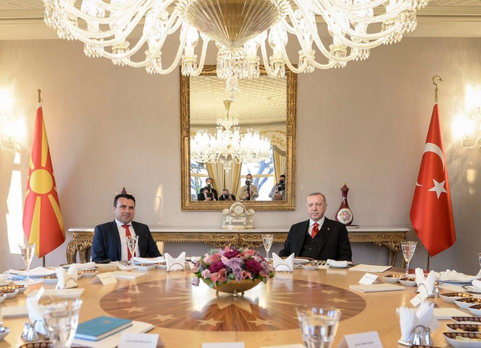 Дали Заев и Ердоган разговарале за пасошот на Седат Пекер?