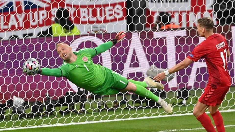 УЕФА: Англија ќе биде казнета за однесувањето на навивачите на мечот со Данска