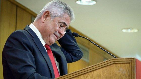 Претседателот на Бенфика во куќен притвор