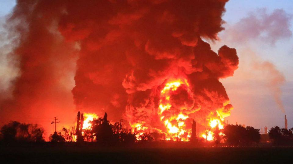 Експлозија во рафинерија во Романија – постои опасност за нова