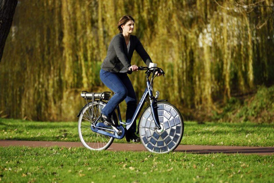 Во Холандија отворена најдолгата патека за соларни велосипеди