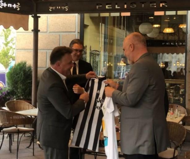 Рама доби од Шилегов дрес од Јувентус