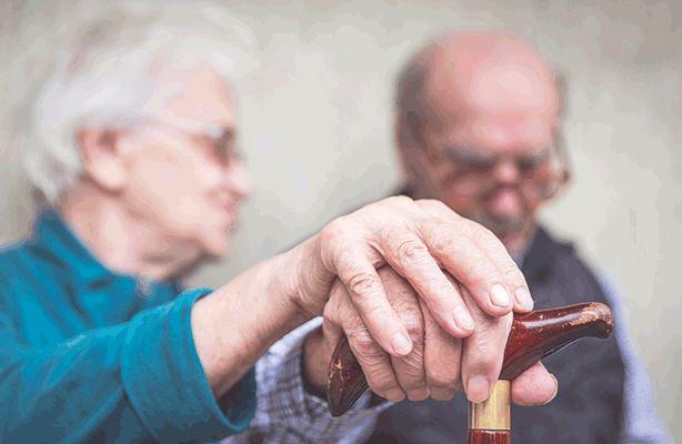 Задолжителна вакцинација на вработените во домовите за стари лица и здравствените работници во Грција