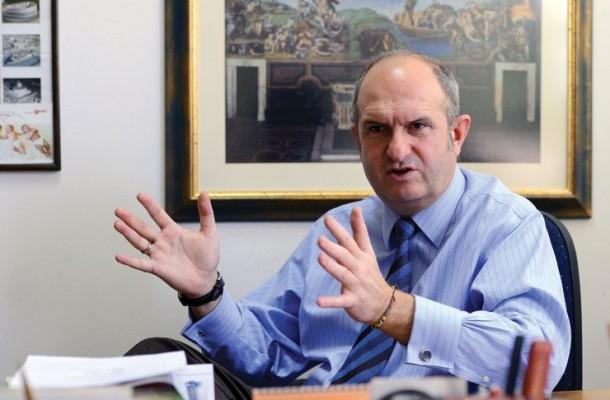 Порталот Експрес открива колкав хонорар зема Бучковски за да преговара со Бугарија