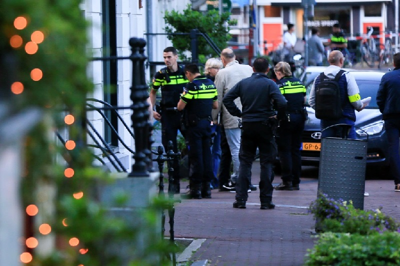 """Бил предупреден дека се наоѓа на """"списокот за отстрел"""": Застрелан познат холандски новинар во Амстердам"""