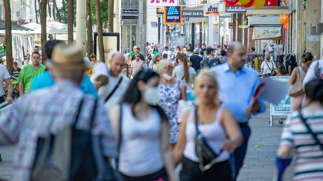 Расте бројот на заразени повратници од одмор од Хрватска и Шпанија во Австрија