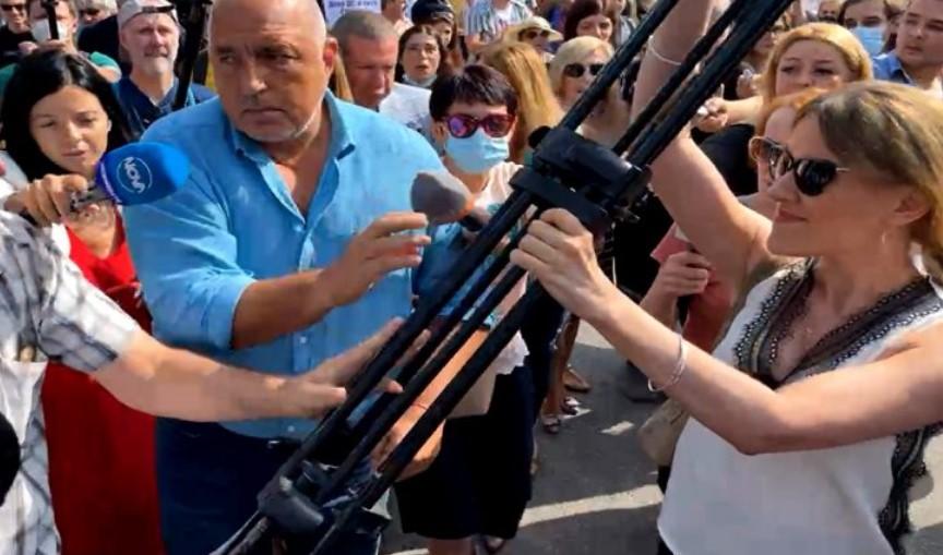 """(ВИДЕО) """"Белоруска провокаторка"""" го нападна Бојко Борисов"""