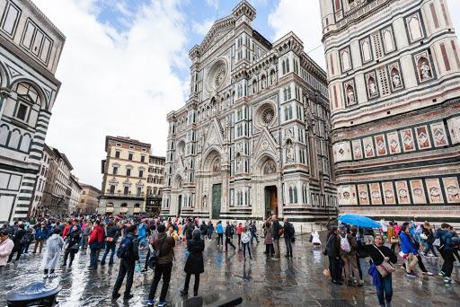 Италија ќе воведува ковид пропусница за влез во барови, ресторани и музеи